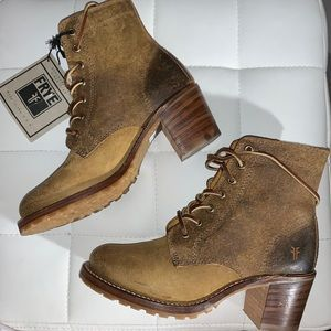 2 hr Flash sale! FRYE SABRINA 6G Lace up Boots